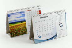 Calendario da tavolo f.to 21x14,8 con cavallotto in cartoncino